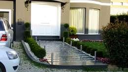 บ้านและที่อยู่อาศัย by EDMİMARLIK INTERIOR STUDIO