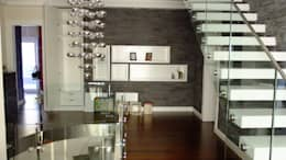 Pasillos y recibidores de estilo  por EDMİMARLIK INTERIOR STUDIO