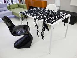 Speech in nero: Cucina in stile in stile Moderno di Camilla Fucili Design