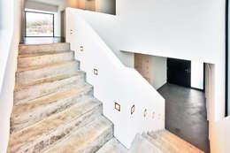 Corridor & hallway by Helwig Haus und Raum Planungs GmbH