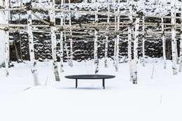 Penguin Sofa table(펭귄소파테이블): 잭슨카멜레온의  거실