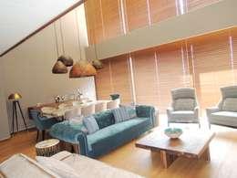 Salon de style de style Moderne par Visage Home Style