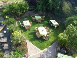 Gäste im Garten: mediterraner Garten von Gärten für Auge und Seele