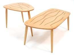 WAVE Tische: moderne Wohnzimmer von WANDERBIRD Möbel