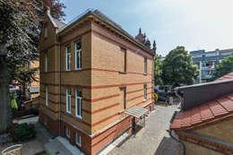 Ansicht Villa Viktoria Hofseite: klassische Häuser von Wohnwert Innenarchitektur