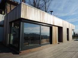 Casas de estilo minimalista por Ecospace Italia srl