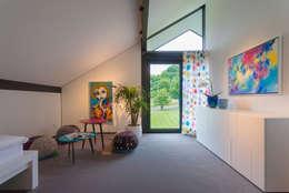 Детские комнаты в . Автор – HUF HAUS GmbH u. Co. KG