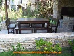 Mesas: Jardines de estilo moderno por Tu Mueble de Jardin