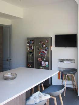 Jean-Paul Magy architecte d'intérieur: modern tarz Mutfak