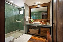 Hogar de estilo  por Gislene Lopes Arquitetura e Design de Interiores