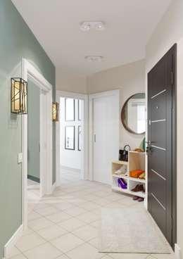 Couloir et hall d'entrée de style  par Anna Clark Interiors
