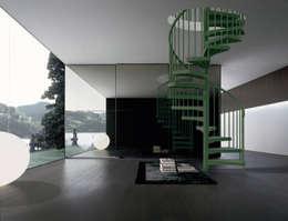 Projekty,  Korytarz, hol i schody zaprojektowane przez Fontanot