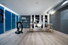 Studio in stile in stile Moderno di Millimeter Interior Design Limited