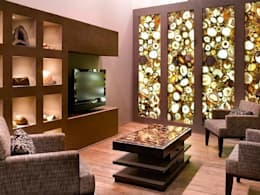 Round Carnelian Wall Panel: modern Living room by Stonesmiths - Redefining Stone-Age