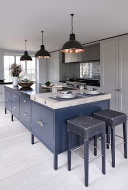 modern Kitchen by Mowlem&Co