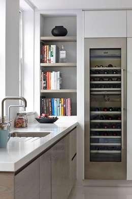 Cozinhas modernas por Mowlem&Co