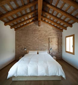 moderne Schlafzimmer von Massimo Galeotti Architetto