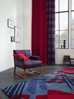 frische farbe im wohnzimmer ganz ohne streichen. Black Bedroom Furniture Sets. Home Design Ideas