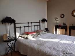 classic Bedroom by MJ Intérieurs