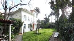 Villa à Menton: Jardin de style de style Moderne par Agence Manuel MARTINEZ