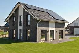 modern Houses by Heinrich Blohm GmbH - Bauunternehmen