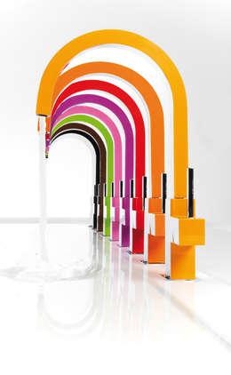 Projekty,  Łazienka zaprojektowane przez MAMPARAS SANTANDER