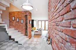 Corridor & hallway by NA NO WO ARCHITEKCI