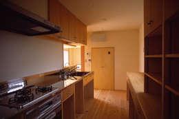 eclectic Kitchen by 八島建築設計室