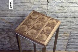 Table with a real piece of wood: styl , w kategorii Salon zaprojektowany przez Gie El Home