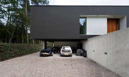 車庫/遮陽棚 by 123DV Moderne Villa's