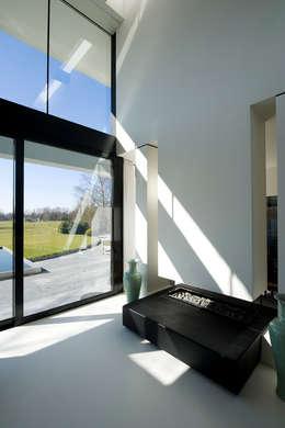 East West Villa:  Ramen door 123DV Moderne Villa's