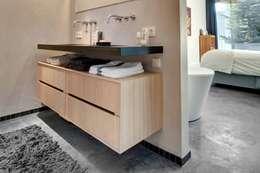 Projekty,  Łazienka zaprojektowane przez Kwint architecten