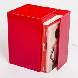 Booklight : Soggiorno in stile in stile Minimalista di Designtrasparente
