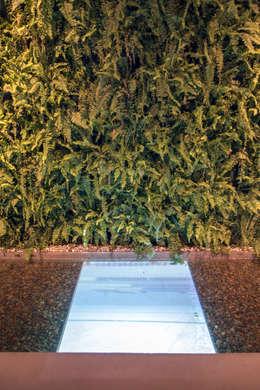Loft Tropical - Casa Cor 2014: Jardins modernos por Gisele Taranto Arquitetura