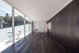 غرفة المعيشة تنفيذ 後藤武建築設計事務所