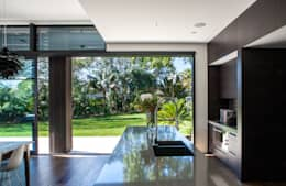 moderne Küche von Dorrington Atcheson Architects