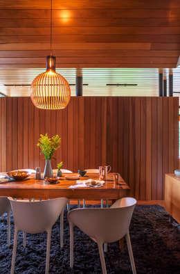 moderne Esszimmer von Dorrington Atcheson Architects