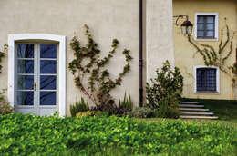 Navello - Seta Eco: Finestre & Porte in stile  di Navello