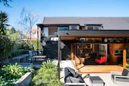 Casas modernas por Dorrington Atcheson Architects