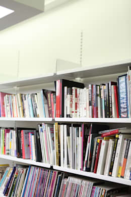 FLOATING SHELVING SYSTEM: THE THING FACTORY 의  가정 용품