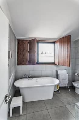 ADDEC arquitectos: eklektik tarz tarz Banyo