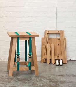 Strap Stool: minimalistische Woonkamer door Stijn van der Vleuten