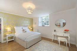 Saving Graces Interiors: klasik tarz tarz Yatak Odası