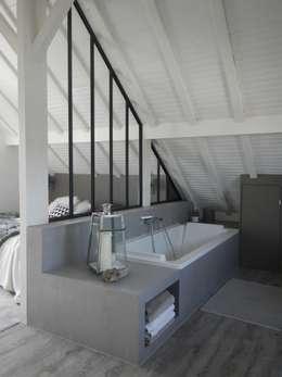 Dormitorios de estilo industrial por Mesdemoiselles Design