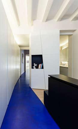 Casas de estilo moderno por ACABADOMATE