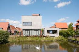 Villa Nieuw Oosteinde: moderne Huizen door Engel Architecten