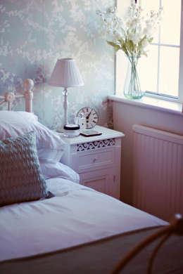 Projekty,  Sypialnia zaprojektowane przez My Bespoke Room Ltd