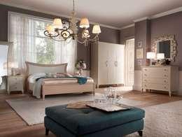 Camera da letto stile Shabby: Camera da letto in stile in stile Classico di BL mobili