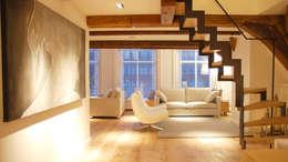 Residential Canal Side: moderne Woonkamer door Mariska Jagt Interior Design
