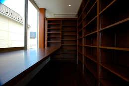 仲摩邦彦建築設計事務所 / Nakama Kunihiko Architects의  서재 & 사무실